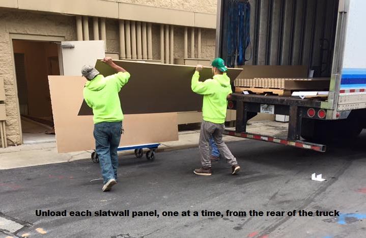 slatwall-panel-unload